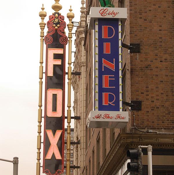 Fox-CityDiner